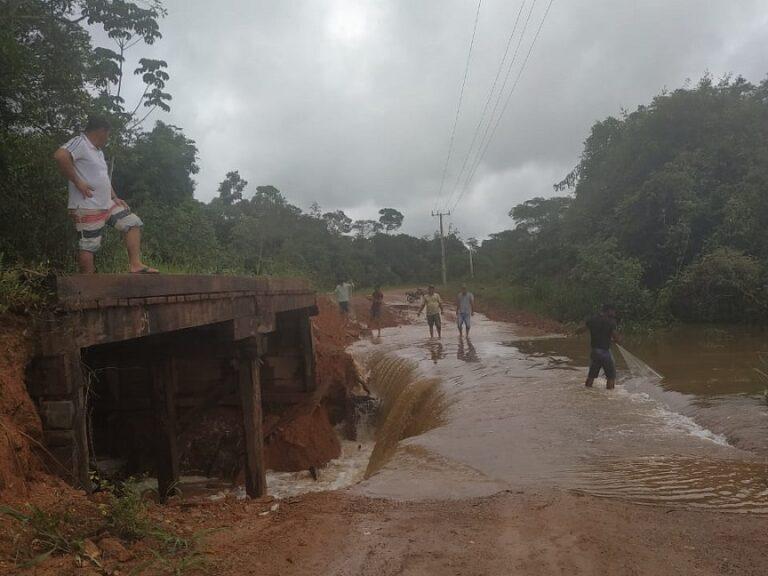 dificuldades-transporte-chuvas-estradas-terra-pontes-alta-floresta-mt-2019