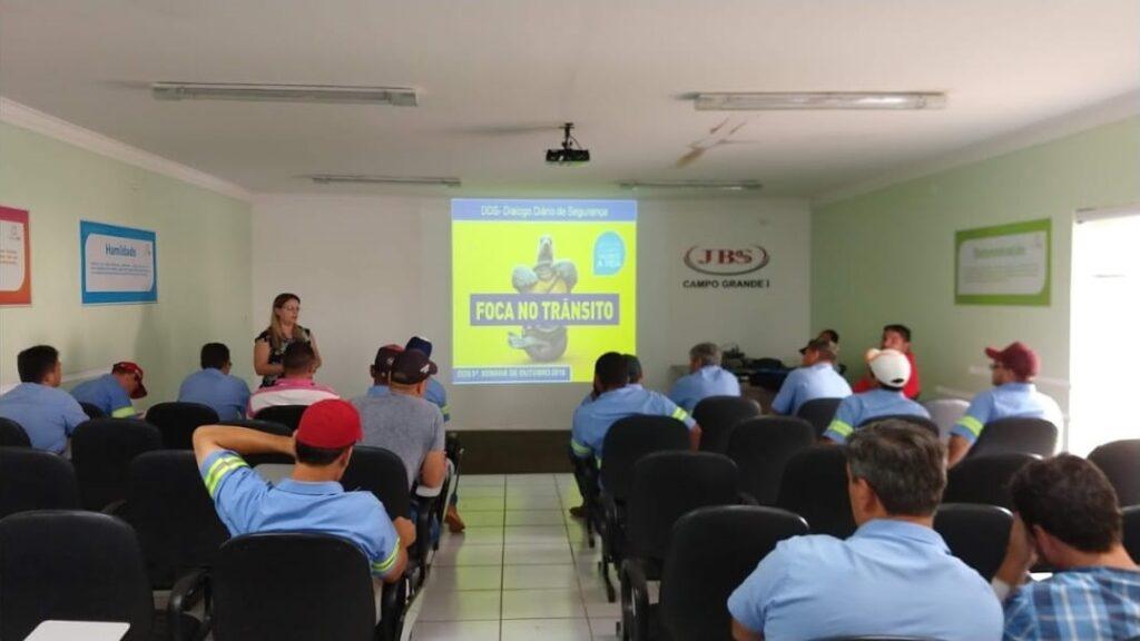 treinamento-motoristas-boiadeiros-bem-estar-animal-seguranca-transporte